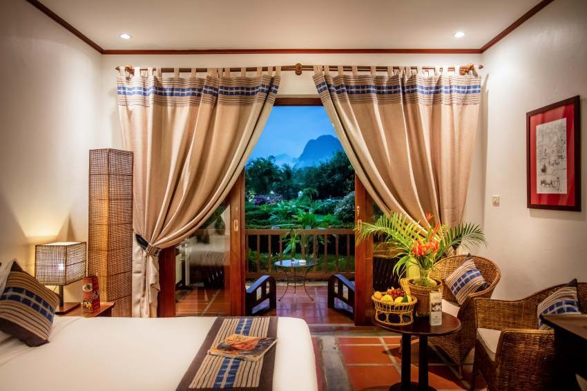 Suite, Hotel Riverside Boutique Resort, Vang Vieng, Laos Rundreise