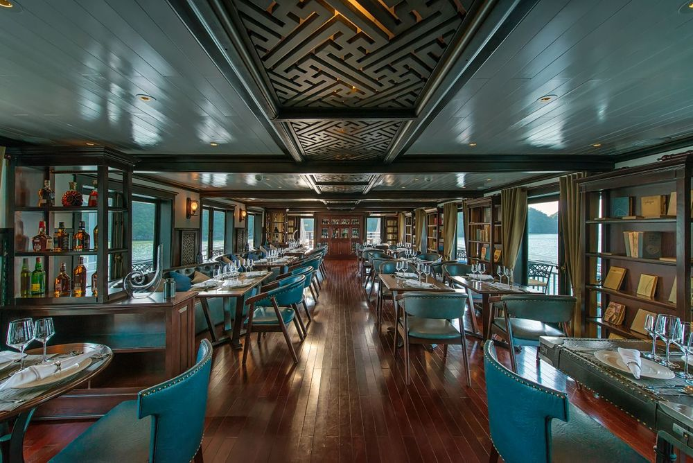 Bordrestaurant, Paradise Luxury, Halong Bucht, Vietnam Reise